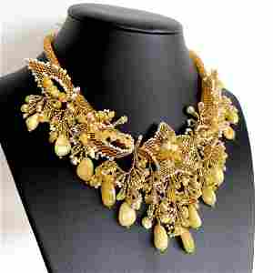 Astonishing Amber Floral Necklace made from leaf like