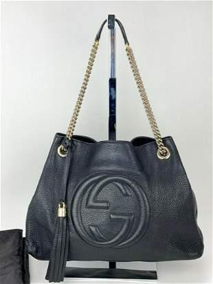 Gucci Black Medium Soho Pebbled Leather Chain Strap