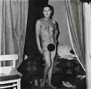 DIANE ARBUS - A Naked Man Being a Woman, NYC, 1968