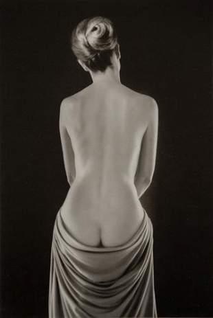 RUTH BERNHARD - Draped Torso, 1962