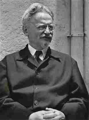 MANUEL ALVAREZ  BRAVO - Leon Trotsky, 1930-40
