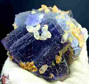 Natural Fluorite Specimen With Shinning Calcite From