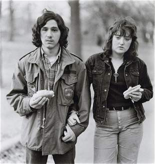 DIANE ARBUS - Young Man & His Girlfriend with Hot Dogs
