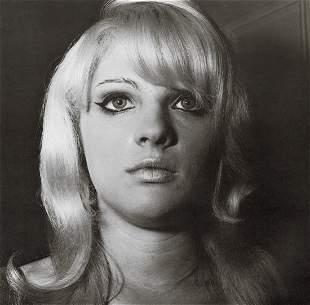 DIANE ARBUS - Blonde Girl with Shiny Lipstick, 1967