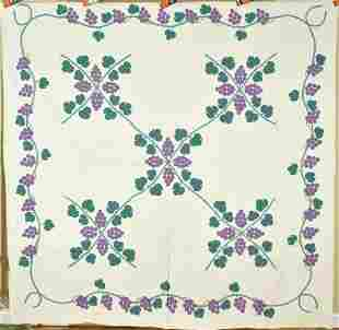 """Well Quilted 30's """"Martha's Vineyard"""" Grapevine"""