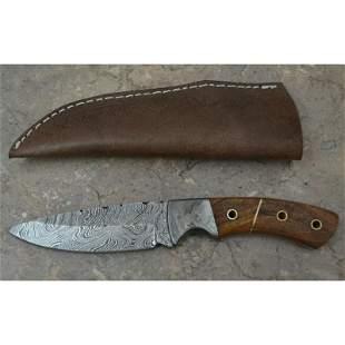 Handmade hiking damascus steel knife walnut wood
