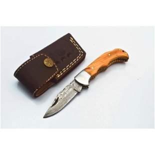 Handmade full tang damascus steel knife bowie wood