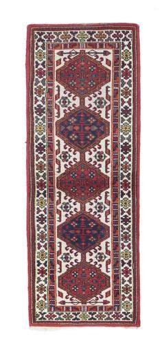 "Persian Heriz Design, 2'6"" x  6'5"""