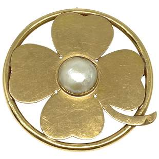 Seaman Schepps Yellow Gold and Mobe Pearl Clover