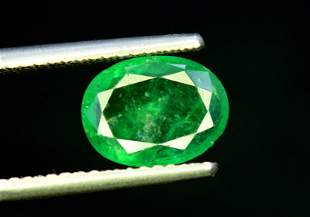 Emerald, 2.95 Carats Oval Cut Natural Zambian Emerald