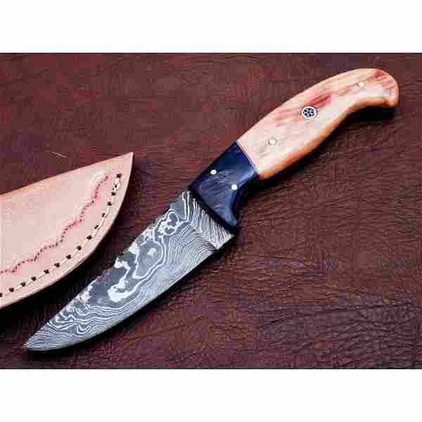 Exclusive pattern hunting damascus steel knife bone