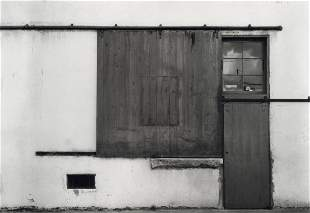 ARNOLD NEWMAN - Warehouse Door, Florida, 1940