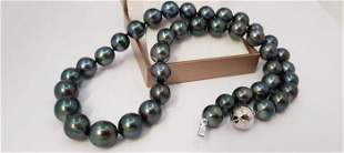 9x11mm Shimmering Tahitian Pearls - 14 kt. Gold -