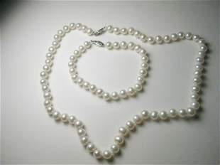 Vintage but current White Faux Pearl Necklace &
