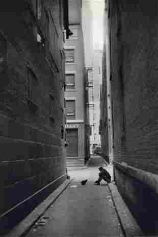 HENRI CARTIER-BRESSON - Solitude Downtown, NY 1947