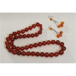 83,1g Baltic amber vintage necklace and earrings cognac