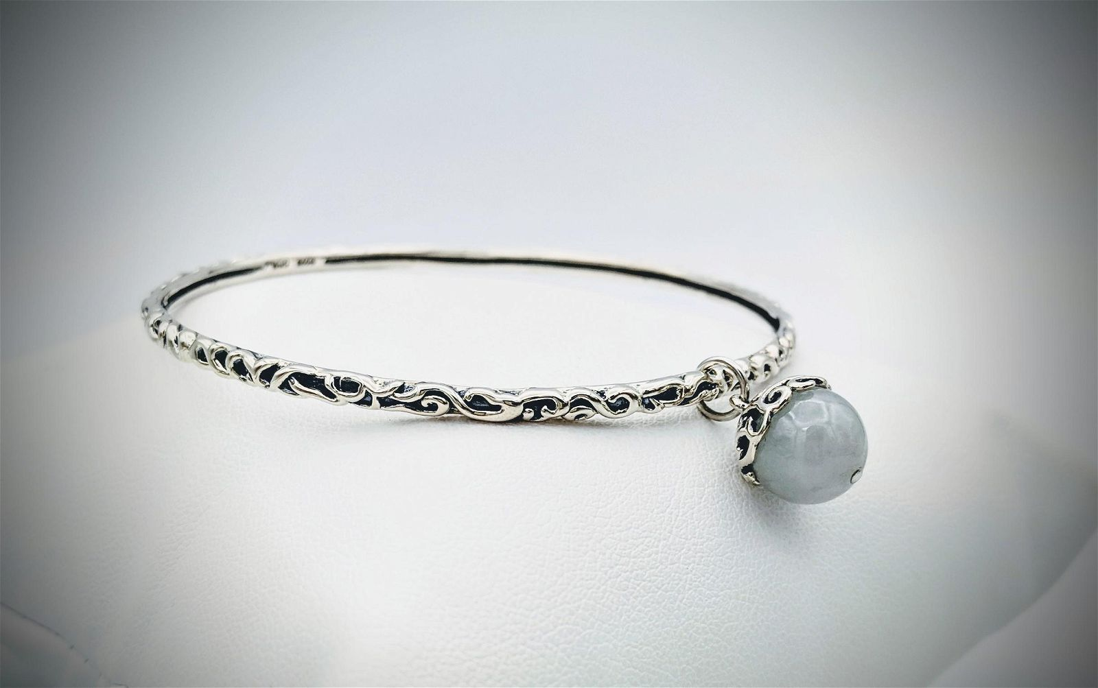 Sterling Silver Bangle w Dangly Jade