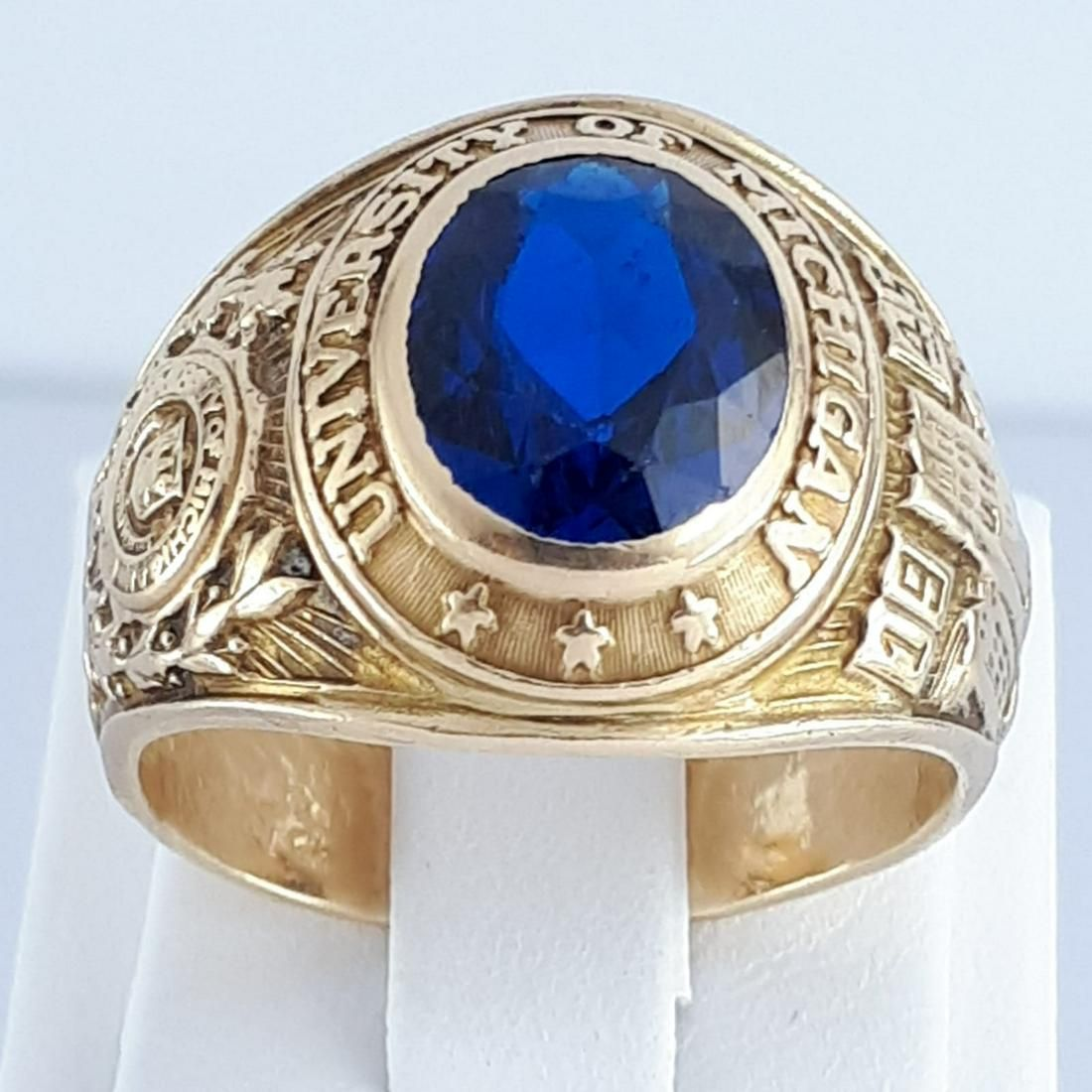 10K Yellow Gold - Ring