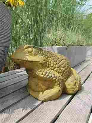 Sculpture of a standing frog - Iron