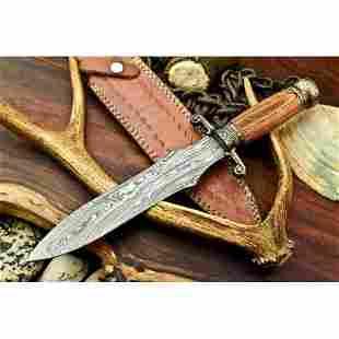 Exclusive pattern work damascus steel knife hardwood