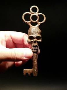 Cast Iron Skull Skeleton Key