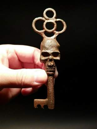 Cast Iron Skull Skeleton Key