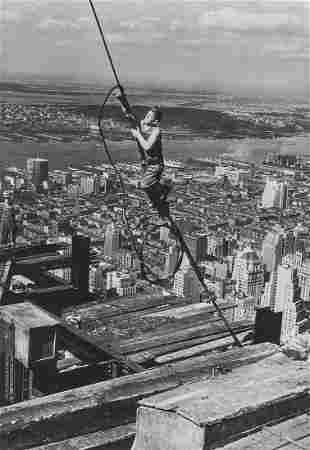 LEWIS W. HINE - Skyboy, Empire State Building