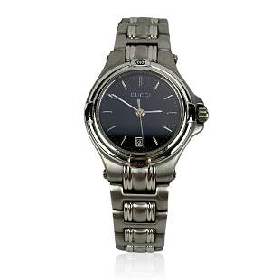 Gucci Silver Stainless Steel Mod 9040 L Wrist Watch