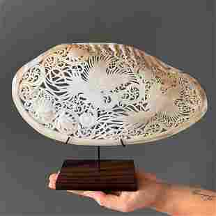 Engraved mother of pearl shell - Birds of Paradise