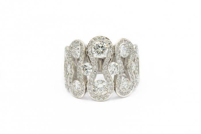Contemporary French Designed Diamond Wave Ring 4.50cts