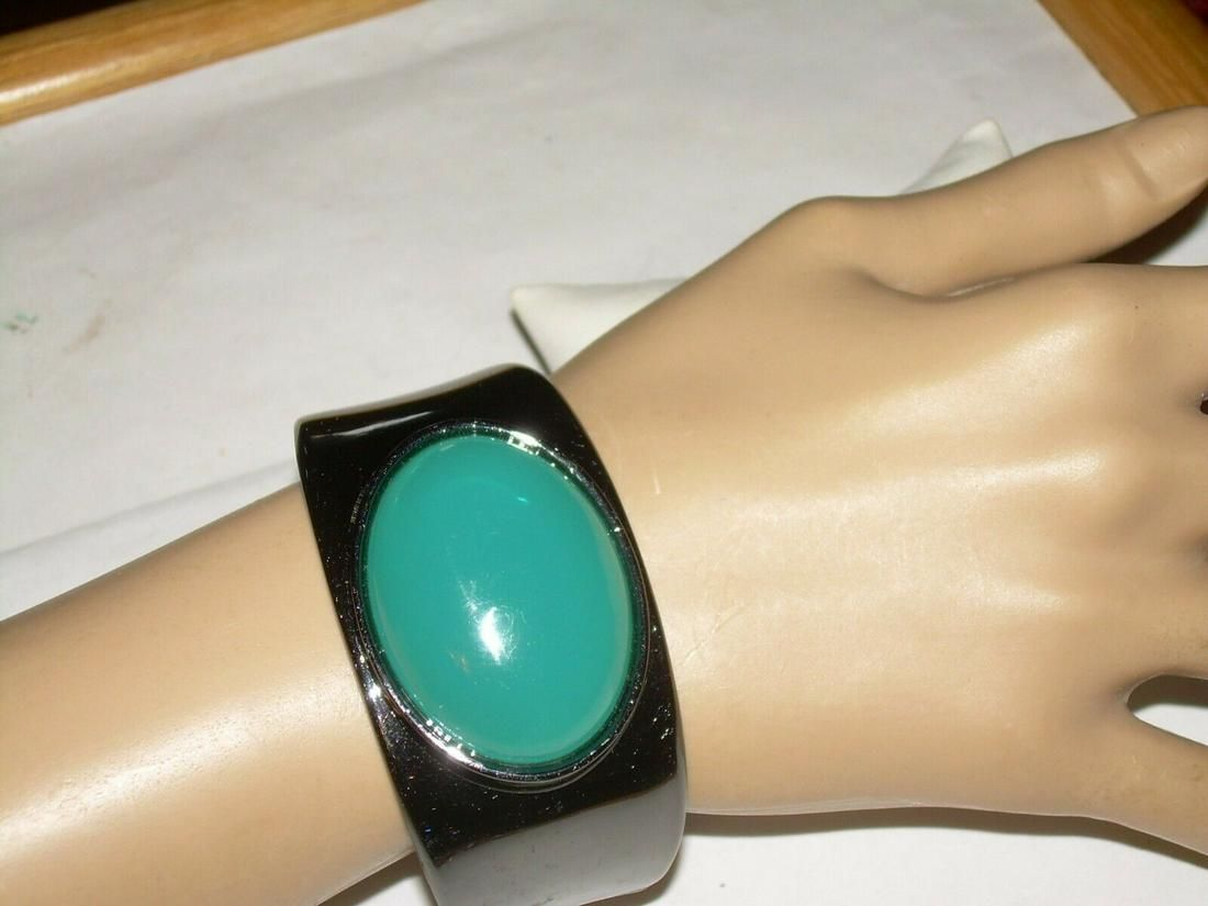 Art Deco Hinged Bracelet - Hematite W/ Large Green