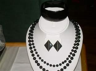 """Set Black Jewelry 2 Necklaces 36""""/30"""" Bracelet 2 3/4""""W"""