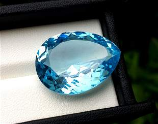Topaz, 42.80 Carats Very Beautiful Natural Blue Swiss