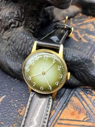 Zaria Mechanical Vintage Men Wrist Watch / Russian