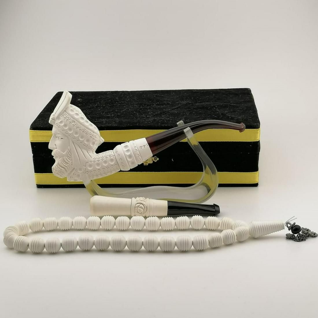 Sultan (King),Hand carved Meerschaum Pipe with Rosary
