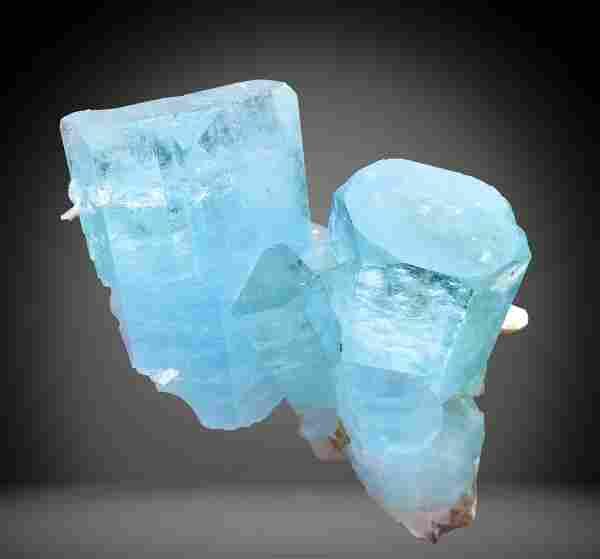 724 C.T Blue Gemmy Aquamarine Specimen From
