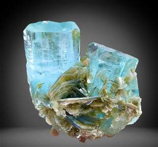 800 C.T Blue Gemmy Aquamarine Specimen From