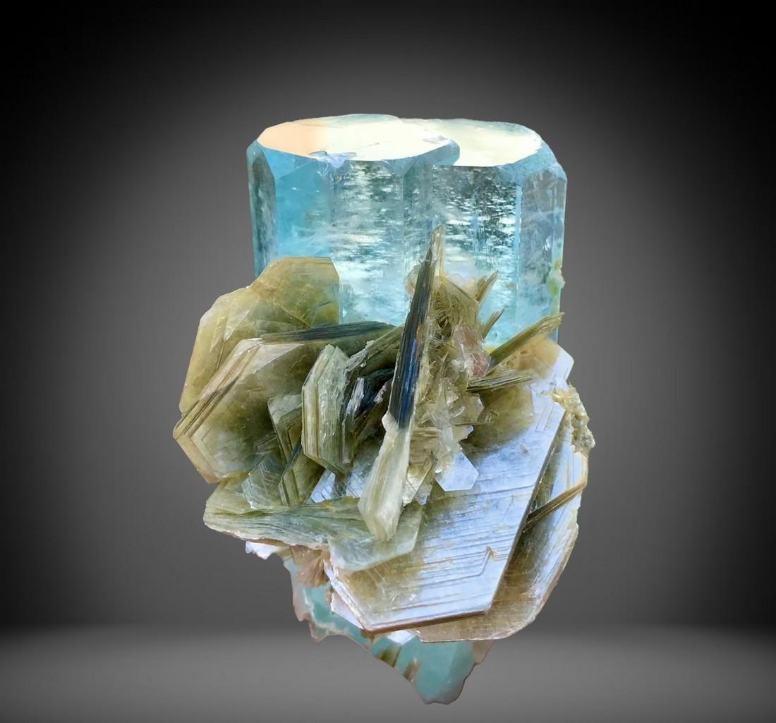 503 C.T Blue Gemmy Aquamarine Specimen From