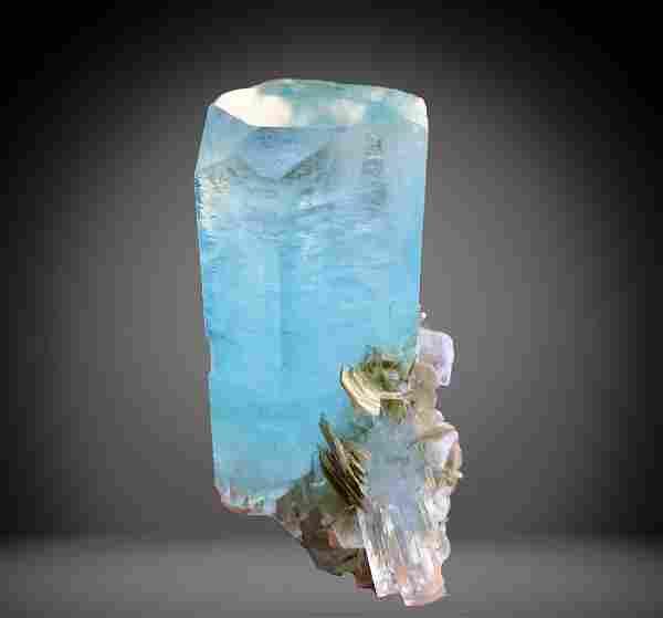 734 C.T Blue Gemmy Aquamarine Specimen From