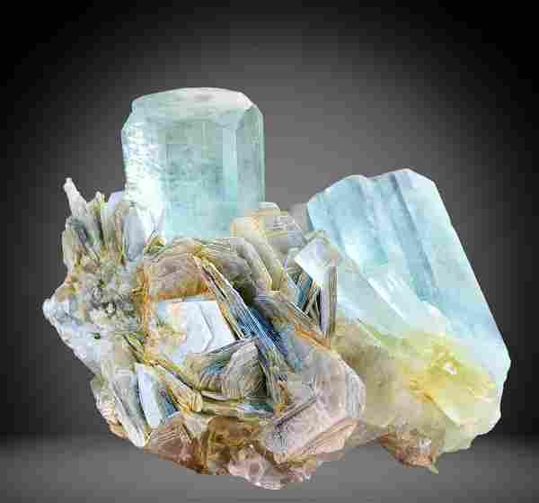 753 C.T Blue Gemmy Aquamarine Specimen From