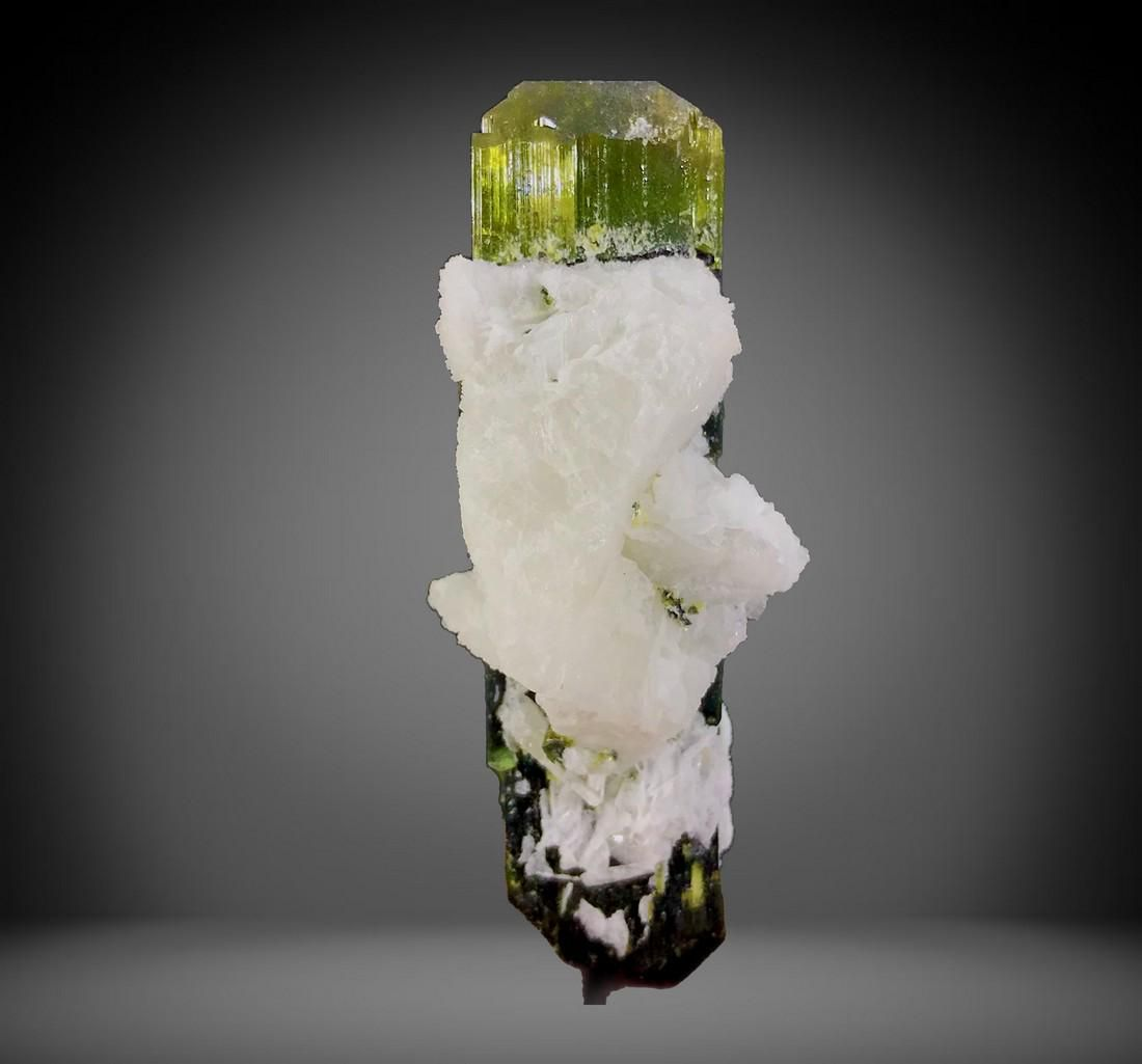 245 Carats Top Quality Well Terminated Complete Damage