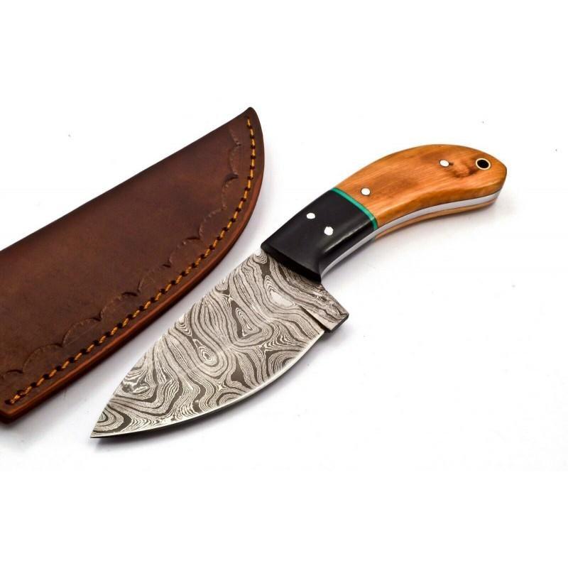 Exclusive pattern knife damascus steel hunting skinner