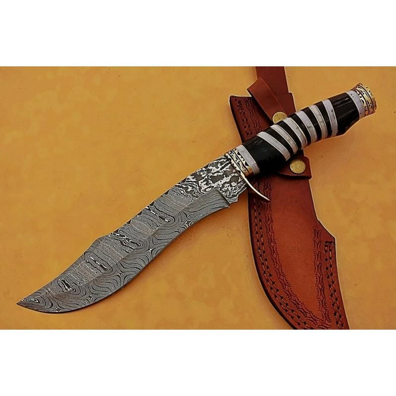Exclusive pattern damascus steel knife resin wood