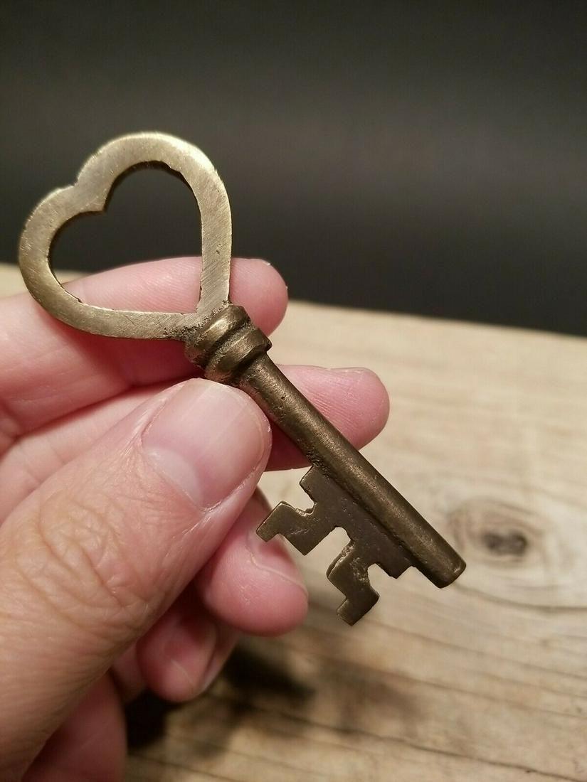 Brass Heart Key