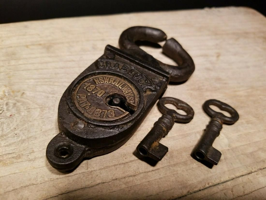 Wrought Iron Trunk Chest Box Crab Lock Key Padlock