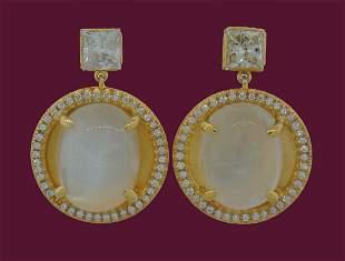 Chic MOONSTONE 1.68 cts DIAMOND YELLOW GOLD DANGLE DROP
