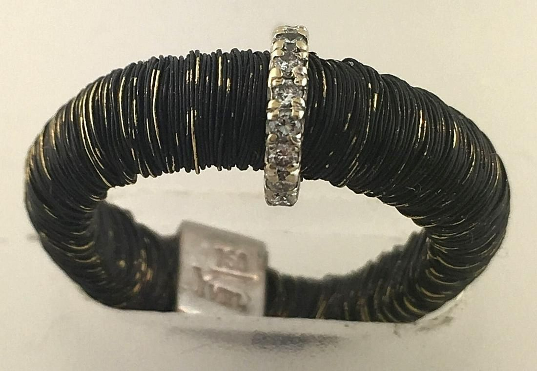 WOW Yvel Blackened Gold Threaded Ring With Micro Pave