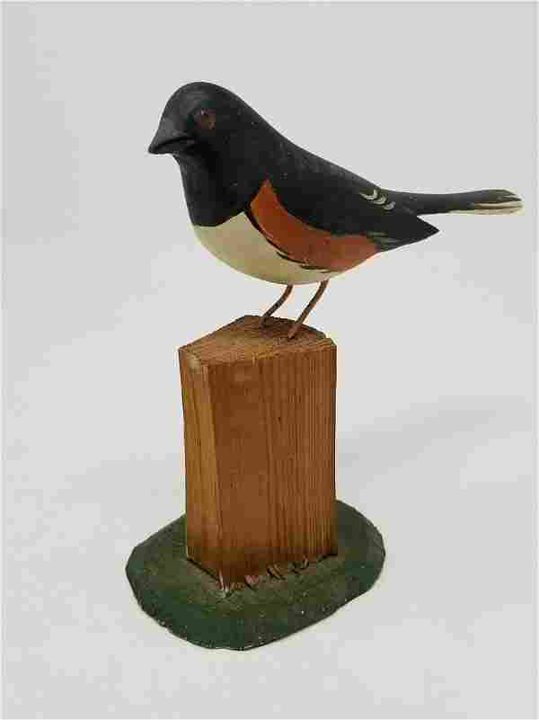 Folky nicely carved bird