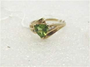 Vintage 10kt Peridot Diamond Ring Triangular 6.5mm