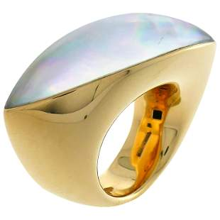 Vhernier Fuseau Yellow Gold Ring with Mother of Pearl